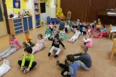 Keď spolu cvičí veľký a malý škôlkár